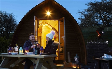 Five Things to Look Forward This Winter With Wigwam® Holidays Humble Bee Farm