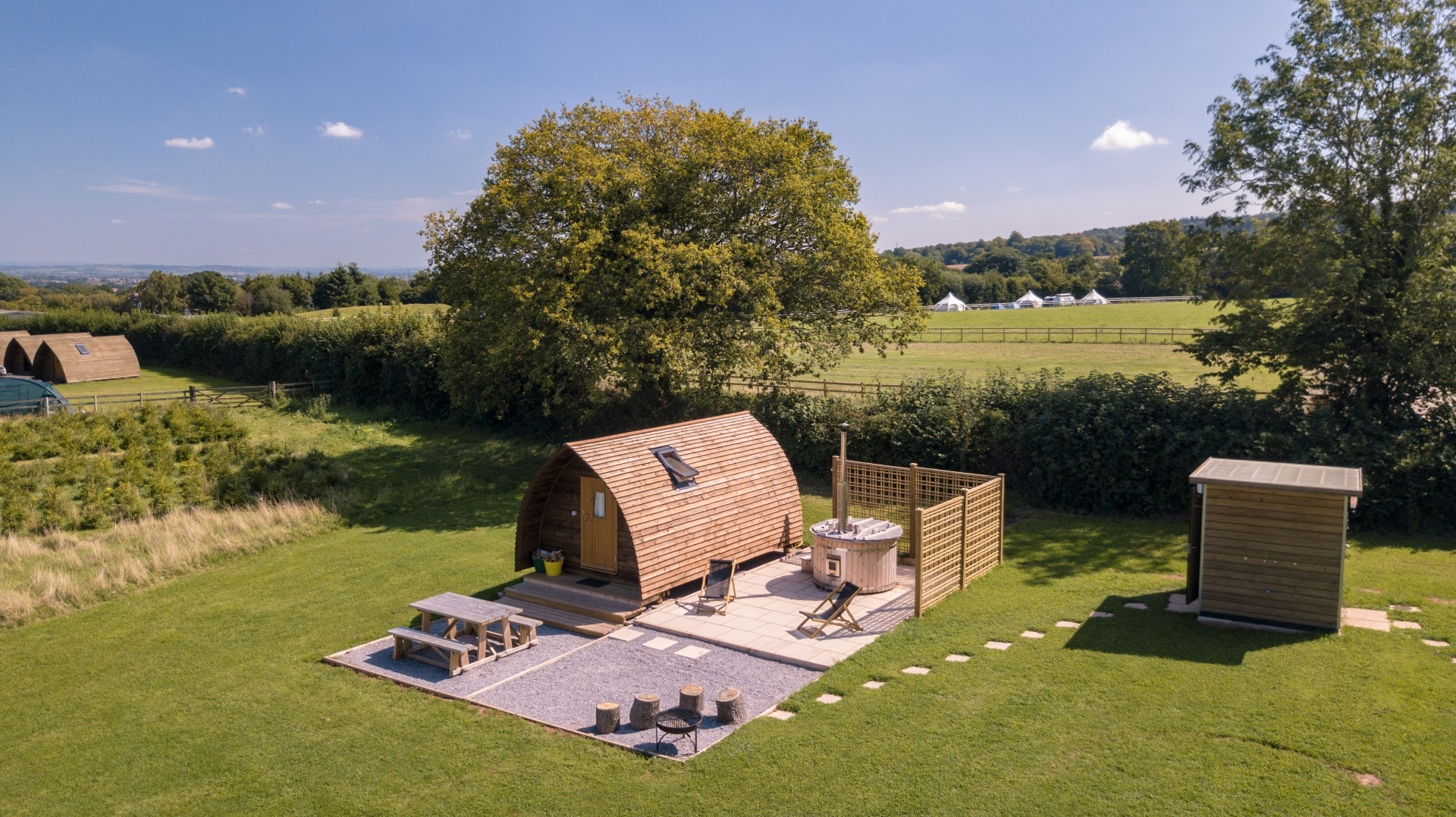 Ensuite Wigwam with Hot tub