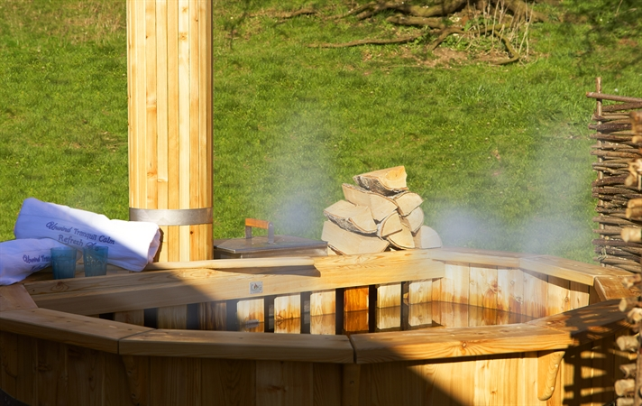 Running Water Deluxe Wigwam Hot Tub