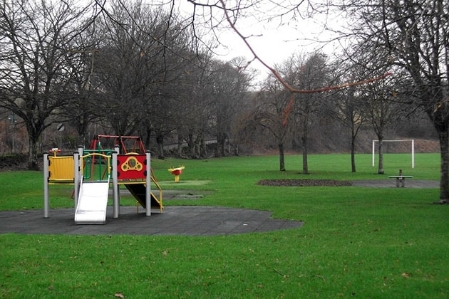 Park next to Braidhaugh
