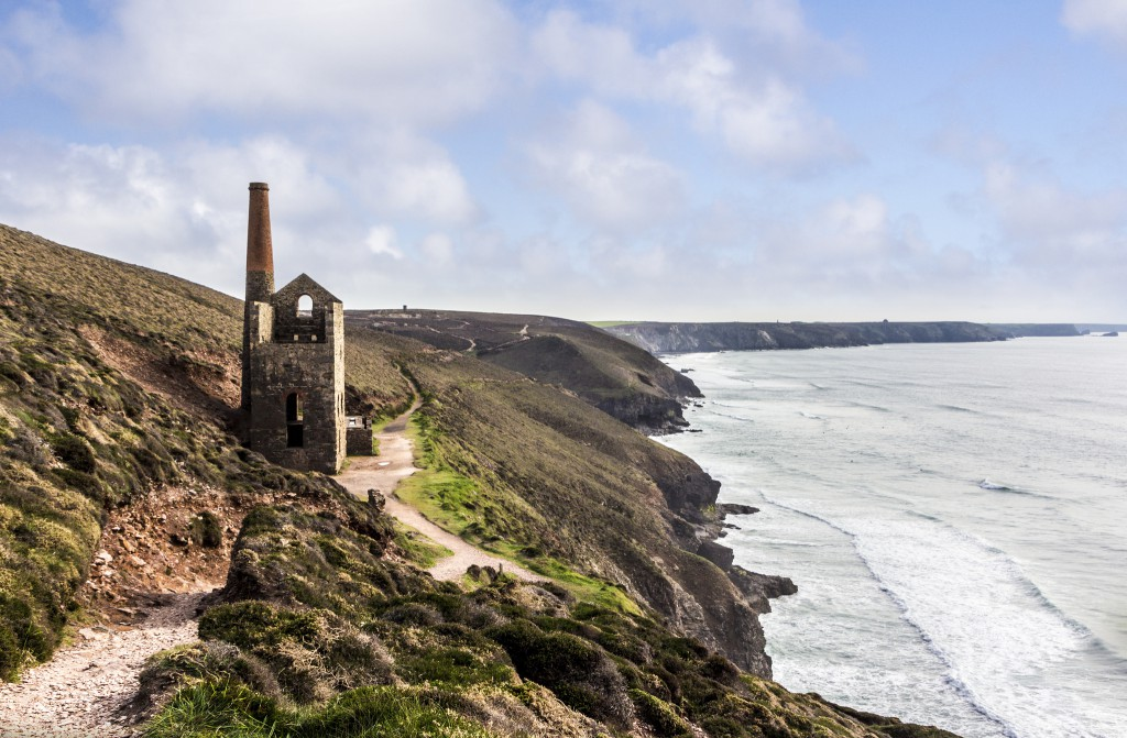 Cornish Mining Coast - Image by https://www.flickr.com/photos/big-ashb/